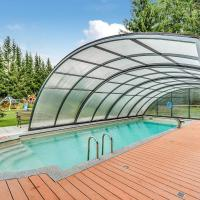 Cozy Holiday Home in Jagersgrun with a Swimming Pool, Hotel in Bad Reiboldsgrün