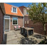 Charming cottage in Westkapelle with perfect location