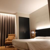 Hotel Alcántara, отель в городе Касерес