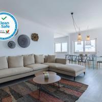 Luxurious Seaview Apartment in Estoril