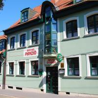 Bacchus Panzió Hotel, hotel in Eger