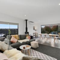 Cedar House - Martinborough Holiday Home