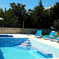 Pool Apartment Tona