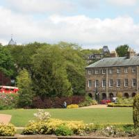 No 6 The Square Tearooms & Accommodation