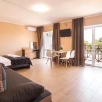 Azure DeLuxe Hotel, hotel in Lazurne