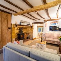Cosy Cotswolds cottage with strong WiFi and self check in service