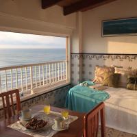 Beachfront and Bright Apartment