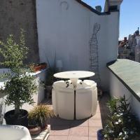 Top floor duplex Apt with terrace P free
