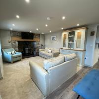 Modern farmhouse cottage nr Conwy Country views