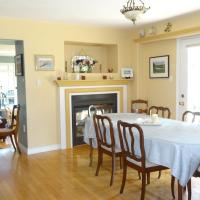 By the Bay Bed and Breakfast, hotel em Hacketts Cove
