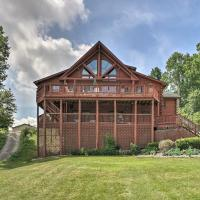 Lakefront Cabin with Dock, 6 Mi to Swiss Valley, hotel in Three Rivers