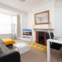 OPP Apartments - Exeter City Centre, Free Parking, Hospital, Sleeps 4