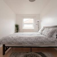 Spacious Double Room (Mini Guest House)- Haggerston, London Fields