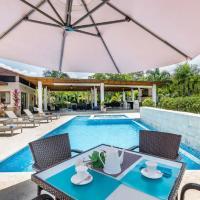 Villa Las Cañas 20, with a range of exclusive 5-star services.