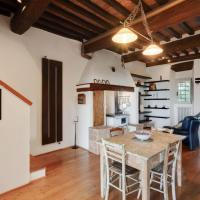 Elegant Holiday Home in Marcialla with Private Garden, hotel a Marcialla