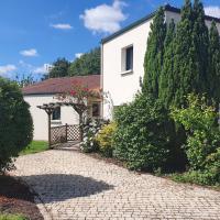 Villa Fleur de Lys au Puy du Fou - StayinVendee, hôtel à La Gaubretière