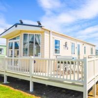 Big Skies Platinum Plus Holiday Home with Wifi, Netflix, Dishwasher, Decking