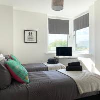 !FREE PARKING with BALCONY! - Ocean Views Apartment - 4 single beds or 2 doubles