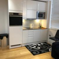 Home like Home Apartment, hotel in Haywards Heath