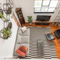 Fitzroy Converted Warehouse Penthouse, hotel in Fitzroy, Melbourne