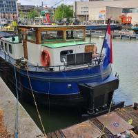 Houseboat holiday apartments Rotterdam