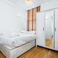 Modern 2 Bed Flat in Holborn, London for up to 4 people with free wifi