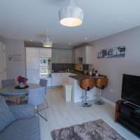 Modern 2 Bedroom Flat with 2 ensuite bathrooms in Bristol for up to 4 people
