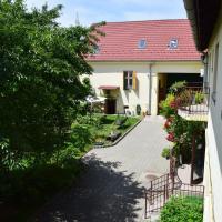 Pension GreenHouse, hotel near Sibiu International Airport - SBZ, Sibiu