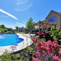 Luxurious getaway close to the city, hotel em Stouffville