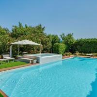 Spacious Holiday Home in Castelbelforte with Swimming Pool, hotel a Gazzo
