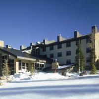 Luxury condo in Cedar Break Lodge with restaurant, Bar, Hot Tub