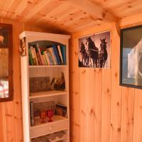 Shepherds hut, hotel in Reading