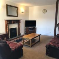 Spacious home by the sea in Scalloway., hotel in Scalloway
