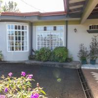 Hostel Bouganvilia Bed and Breakfast