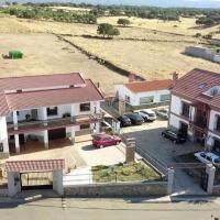 Apartamentos Rurales Monfragüe, hotel in Torrejón el Rubio