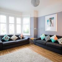 Huge Bournemouth Beach House Sleeps 23 - Beauty Room - Pet Friendly