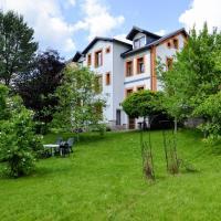 Apartmány Irisis, hotel in Chvaleč