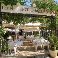 Les Pins restaurant et chambre d'hôtes, hotel in Sillans-la Cascade