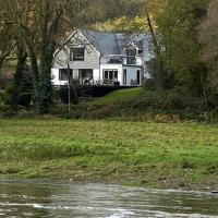 Riverside Stay, hotel in Gunnislake