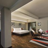 Tropics Eight Suites, hotel in George Town