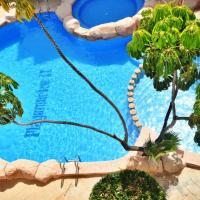 HE Cabo Roig Strip, hotel in Playas de Orihuela