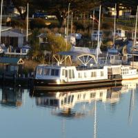 Swamp Fox luxury 2BR Dutch Barge, hotel em Goolwa
