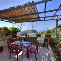 Scala Holiday Home Sleeps 4 with Air Con