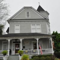 Trowell Historic Inn, hotel in Jesup