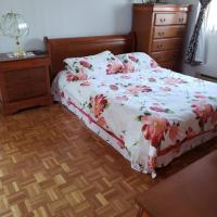 Backpacker Student near Bishop's University - Entire Two Bedroom Apartment, hotel em Sherbrooke