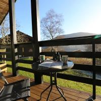 Cosy Modern Nordic Lodge w/ Loch View & Log Burner