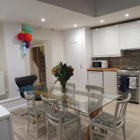 Frog Palace - Secure Parking-Outside Area-Topsham-Exeter-Beach-Chiefs-WiFi
