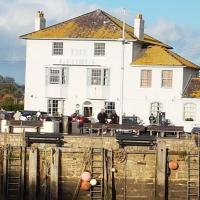 The George, hotel in West Bay