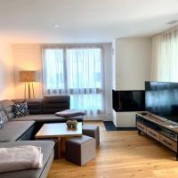 Luxus Neubau 5 min zu Caumasee & Talstation - mit Kamin - Regendusche - Netflix & Smart TV in allen Zimmern