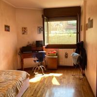 Camera privata in appartamento condiviso, hotell i Cesano Maderno